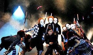 Liêu Anh Tuấn 'ma quái' trên sân khấu