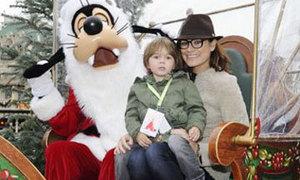Vợ con Buffon đi chơi Giáng sinh sớm