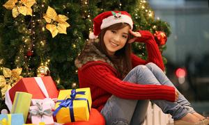 Thùy Chi lung linh trong mùa Noel