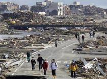 Nên ở đâu khi động đất?