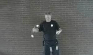 Siêu tung hứng với bóng