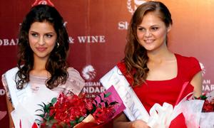 Hoa hậu, Á hậu Nga 2011 đến Việt Nam