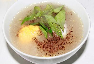 Cháo trứng vịt lộn cho người ốm