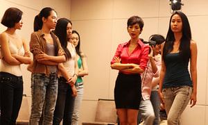 Xuân Lan tuyển mẫu cho Đẹp Fashion Show
