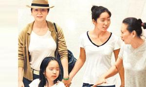 Lâm Thanh Hà lộ diện cùng hai con gái