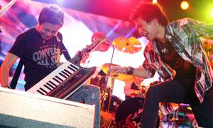 Rock Storm đốt cháy khán giả Sài Gòn