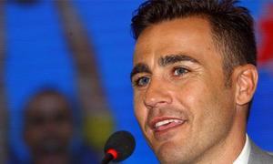 Cannavaro: 'Fan nữ phát cuồng vì tôi đẹp trai'