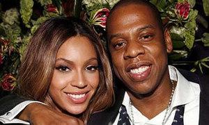 Beyonce sinh con gái đầu lòng