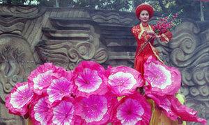 Đội mưa rét dự lễ hội gò Đống Đa