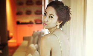 Jeon Hye Bin khoe đường cong nuột nà