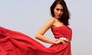 Váy dạ hội xuân hè nổi bật với gam màu nóng