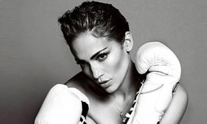 Jennifer Lopez khỏa thân chơi đấm bốc