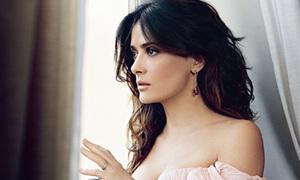 Salma Hayek luôn mặc đẹp để hấp dẫn chồng