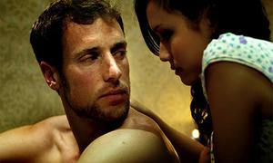Diễn viên 'Touch' ngượng khi xem lại cảnh nude