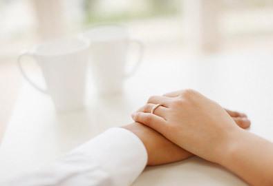 Tủi thân vì không có nhẫn cưới
