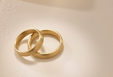 Tôi phải bán nhẫn cưới để trả nợ