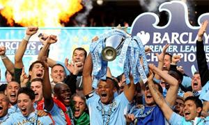 Sao Man City phấn khích 'pose' hình cùng Cup