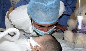 Hình ảnh cảm động của bé gái 2 tuổi hiến tạng