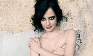 'Bond Girl' Eva Green phóng túng khoe ngực đầy