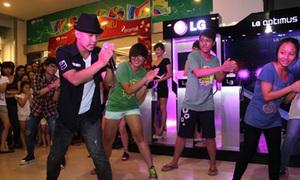 Nhảy theo phong cách SuJu cùng LG Mobile