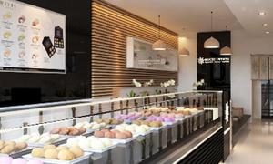 Thưởng thức bánh Mochi tại cửa hàng mới