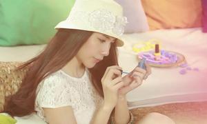 Thủy Tiên đẹp dịu dàng trong MV mới