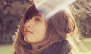 Cô nàng 'tỏa nắng' của Miss Office Panasonic Beauty