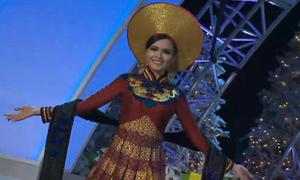 Diễm Hương mặc quốc phục lộng lẫy tại Miss Universe
