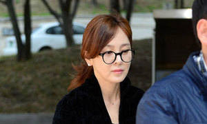 Hoa hậu Hàn phờ phạc vì liên tục hầu tòa