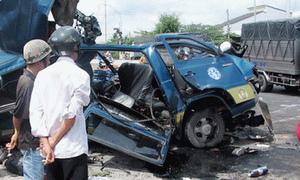 6 người nhà Việt kiều tử nạn trên quốc lộ
