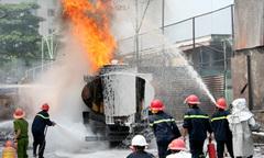 Tàn thuốc gần cây xăng có thể là nguyên nhân cháy
