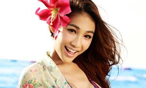 Mẫu chuyển giới Thái Lan đổi đời nhờ vẻ đẹp sexy
