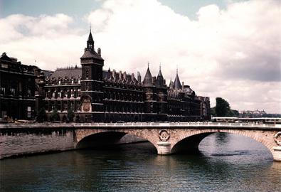 Paris thanh bình qua những khung hình cũ