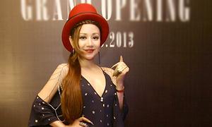Việt Nga dự tiệc với style độc