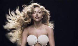 Lady Gaga ra mắt MV mới nóng và quái