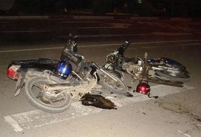 Đứng xem tai nạn, 2 người bị ôtô đâm chết