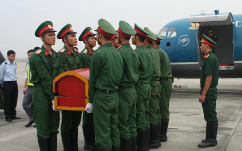Tập dượt đưa thi hài Đại tướng lên máy bay