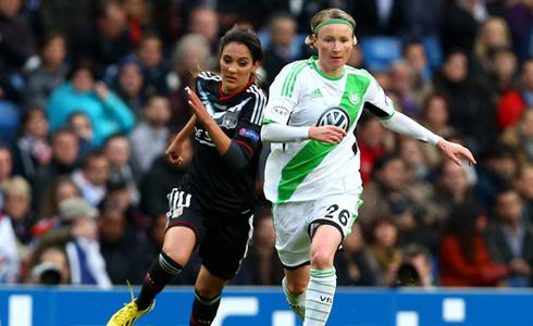 Hai siêu phẩm bóng đá nữ lọt đề cử Puskas 2013