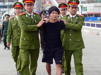 Phạm nhân khoét thủng tường trại giam trong 7 ngày