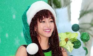 'Công chúa tuyết' Han Ye Seul rạng rỡ ký tặng fan