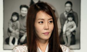Kim Jung Eun lộ mặt kém xinh