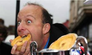 Người ăn bánh nhanh nhất thế giới