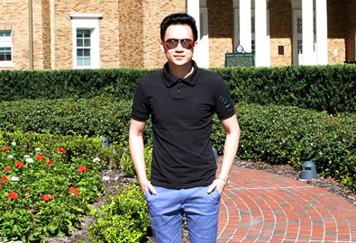 Dương Triệu Vũ thăm trường cũ tại Mỹ