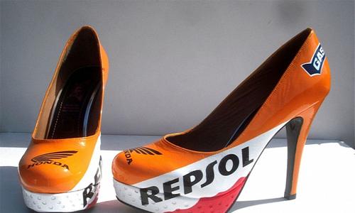 Giày cao gót cho người đẹp mê môtô