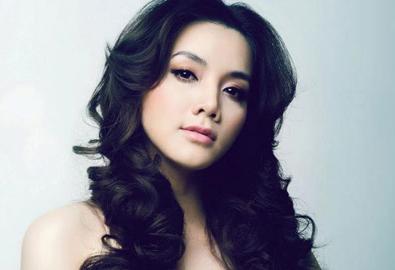 Trang Nhung đi thẩm mỹ để níu kéo sắc đẹp