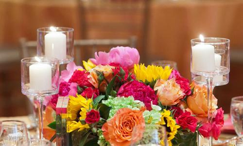 Để đám cưới màu hồng bớt nhàm chán