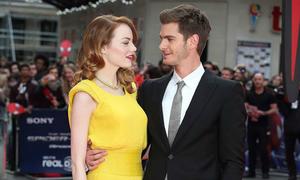 Cặp đôi 'Siêu nhện' ngọt ngào trên thảm đỏ