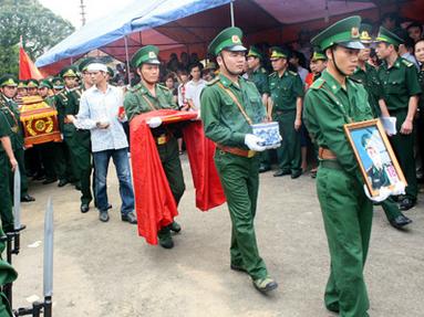 Hai đám tang nghẹn ngào nơi cửa khẩu Quảng Ninh