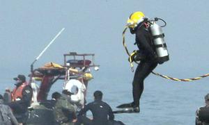 Thợ lặn thiệt mạng khi tìm nạn nhân phà Sewol
