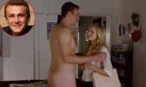 Jason Segel: 'Mẹ đã khóc vì sốc khi xem cảnh nude của tôi'